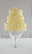 Spring Daisies Wedding Cake